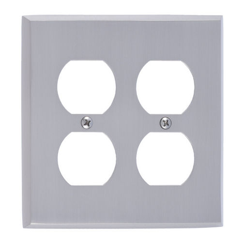 Brass Accents M07-S4560 Quaker Double Outlet, Satin Nickel